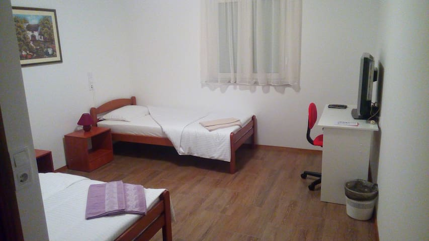 Rooms Airport Zagreb Room 9 - Velika Gorica - House