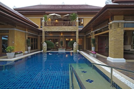 Exclusive Balinese Villa in Pattaya - パッタヤー