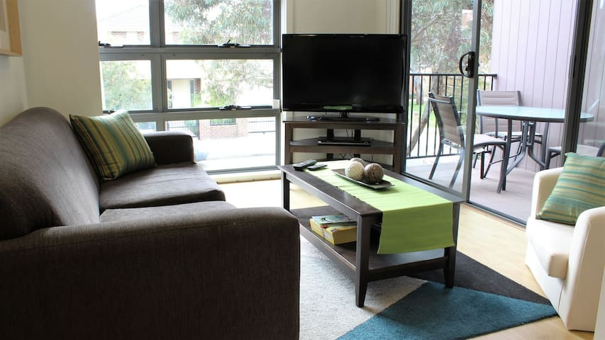 Stylish, Relaxed Pet Friendly Villa - Bundoora - Leilighet