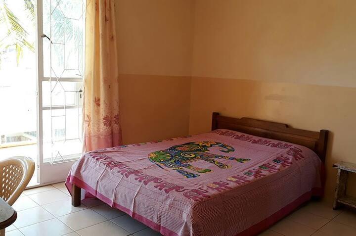 Allamanda Studio Basic Room near Bain Boeuf Beach