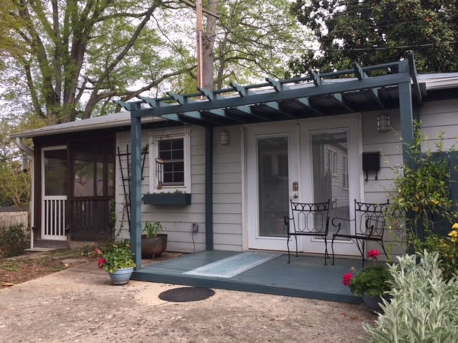 Quiet Studio Apartment Tiny Houses For Rent In