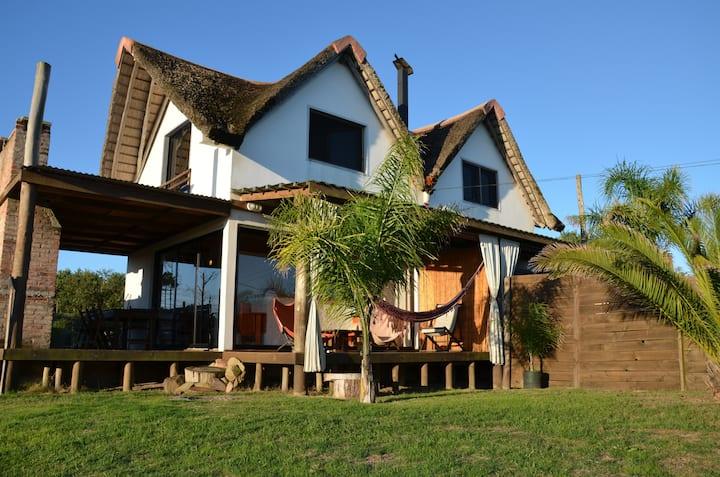 Casa gemela Nº2, a 100 mts del mar