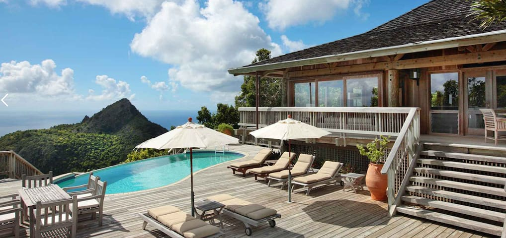 Magnificent private hilltop villa on magical Saba