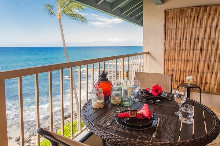 Luxury Oceanfront Top Floor Kona Reef A33, updated
