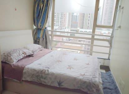 罗湖口岸/万象城/三地铁/大剧院地铁口一分钟/简约双人卧室/美食遍地 - Shenzhen - Apartmen