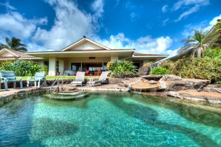 Moana Kai Beach House Sleeps 8.   Private Pool