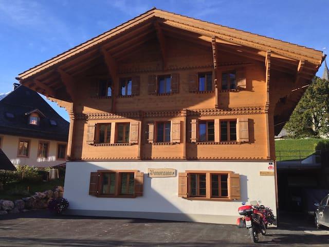 Haus B&B Panorama in Lauenen b. Gstaad