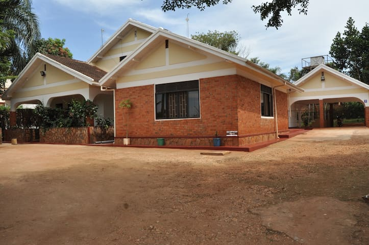 Rydges Accommodations, Jinja - Jinja - Penzion (B&B)