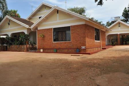 Rydges Accommodations, Jinja - Jinja - Szoba reggelivel
