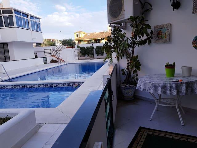 La carihuela, Torremolinos. Apartamento ideal