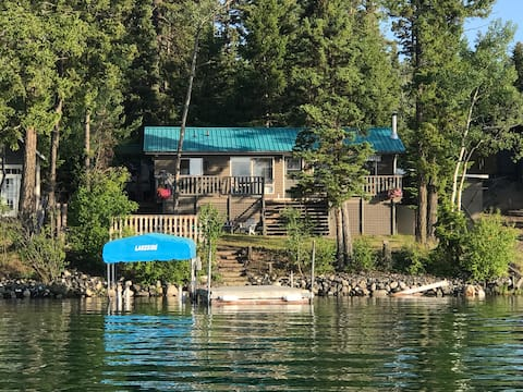 Green Lake Waterfront Family Cottage