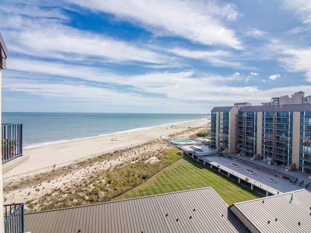 B903: 1BR Sea Colony Oceanfront Penthouse! Private Beach, Pools & Tennis!
