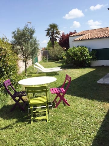Lovely arty villa close beach and in the village