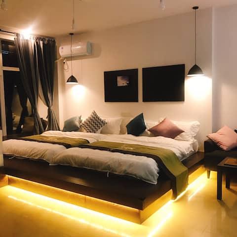 榻榻米家庭房-极简风格的现代轻奢民宿-奕墅