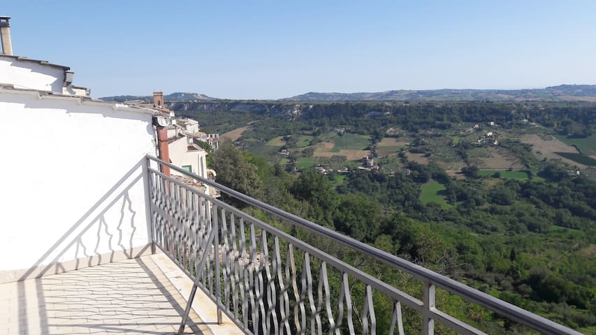 Rooftop appartment w. big terrasse and great views - Palombaro - Appartement
