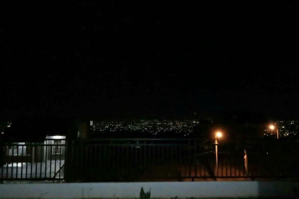 Pemandangan malam