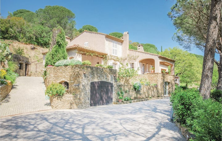 Amazing home in Grimaud with 3 Bedrooms