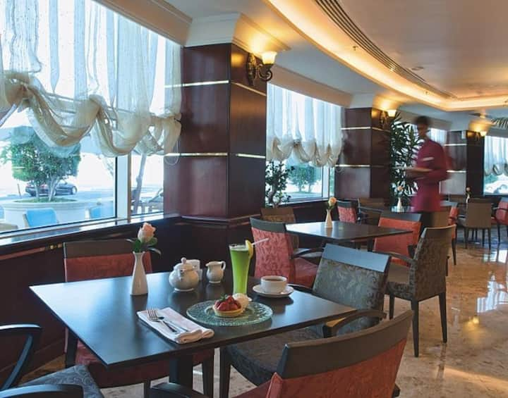 Lovely Double Deluxe Sea View At Doha