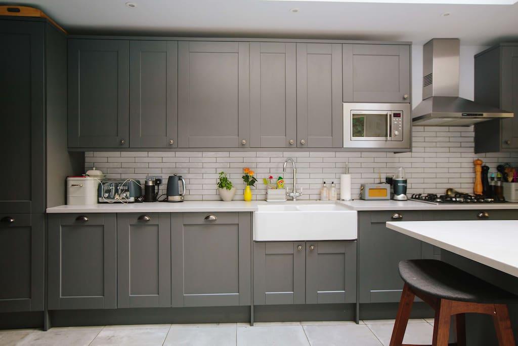 Kitchen - water filter tap, nespresso milk frother, nutri bullet, digital radio