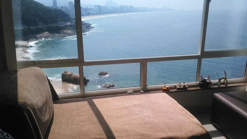 Bedroom in an apartment with the best view of Rio! - Rio de Janeiro - Daire