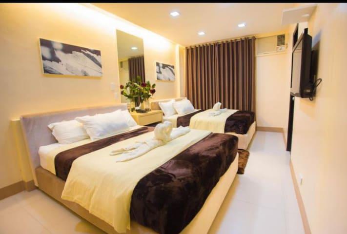 Forbes Suite by Caliraya Resort Club
