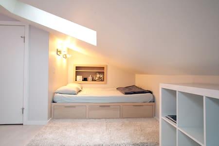 Modern Studio Loft - Austin - Loft
