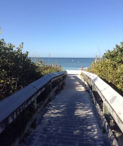 New guest house. Bike to the beach! - Bonita Springs