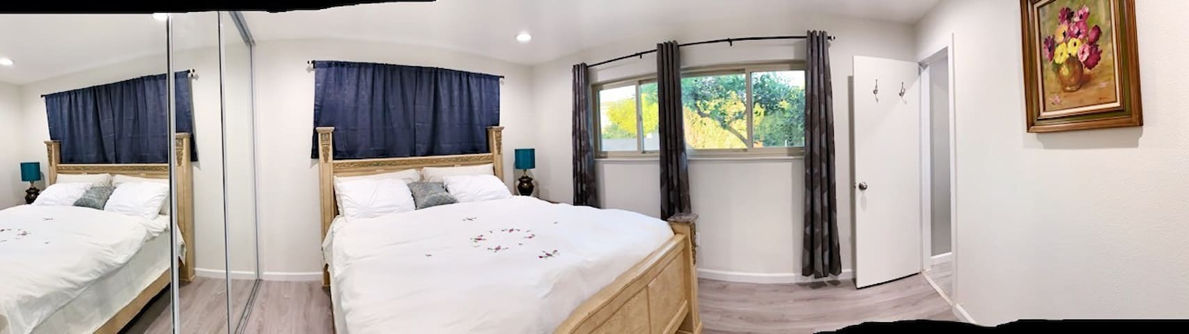 Private master bedroom with shared kitchn&pool.