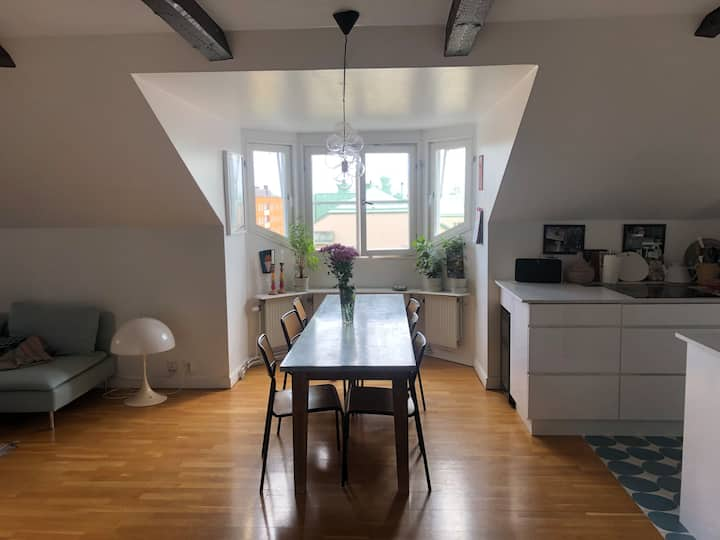 Familyfriendly 2BR penthouse on trendy Södermalm