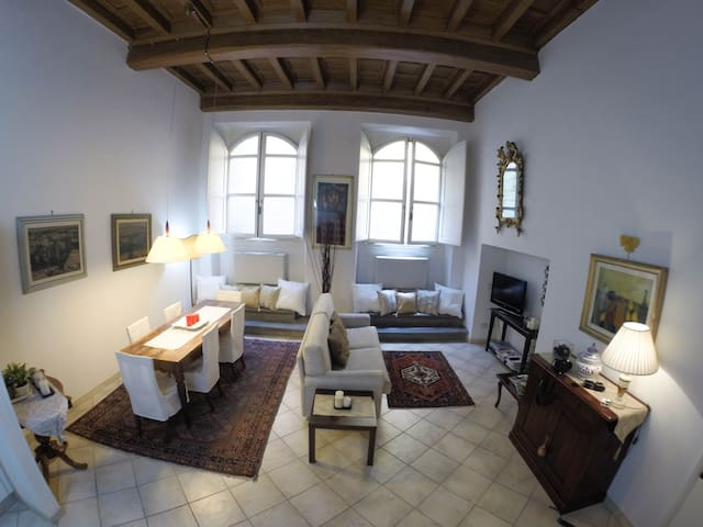 A central suite in a medieval tower - Firenze - Apartment