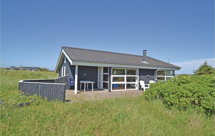 Holiday cottage with 3 bedrooms on 104m² in Hirtshals