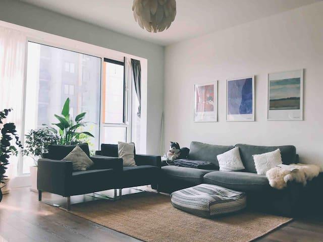 奥森/鸟巢/五道口/西二旗/8号13号线地铁,距离霍营地铁5分钟,中央空调热水洗澡高品质公寓。