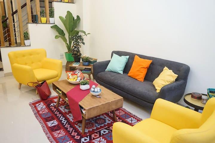 Room in spacious rented house, art deco, Long Bien