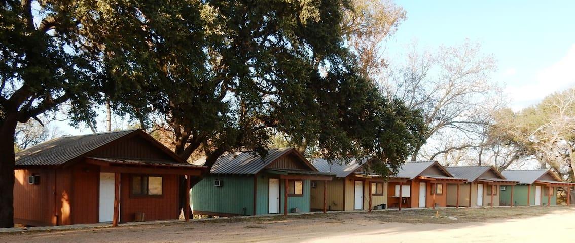 Lovely Cabin on a Ranch (2) - Blanco - Cabaña