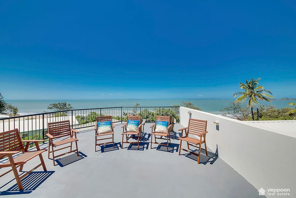 Third deck with panoramic views