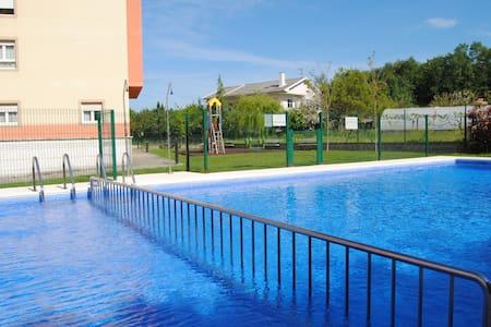 Apartamento en Ares con piscina - Ares