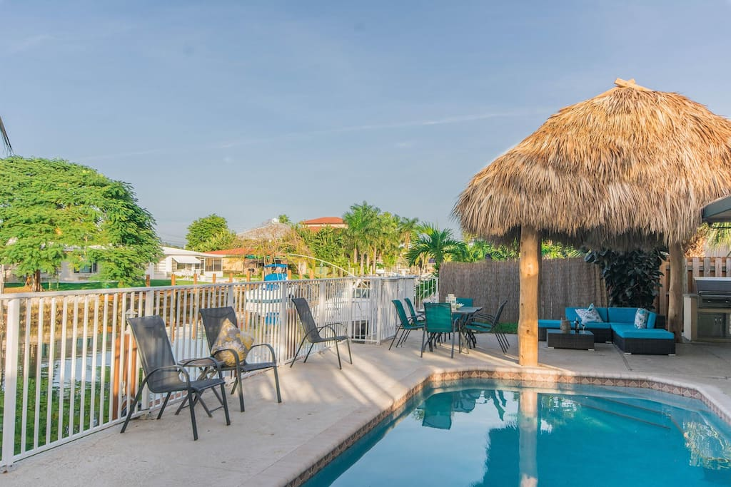 Canalfront, Pool, Jacuzzi and Tikihut, Outdoor Kitchen