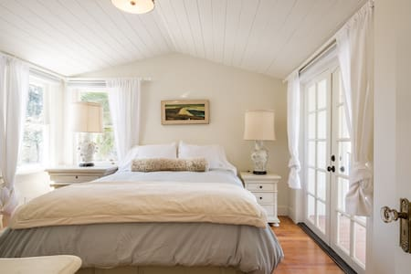 Pistachio Cottage in Los Olivos - ลอสโอลิโวส