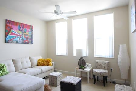 Marina's Magic Room. - Miami - Apartment