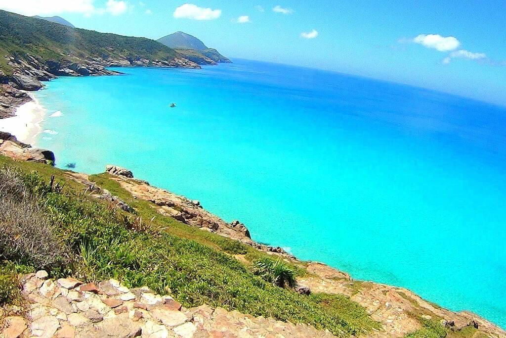 Praia Brava (10 min de caminhada)
