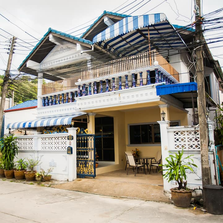 4BR House - Downtown Patong!
