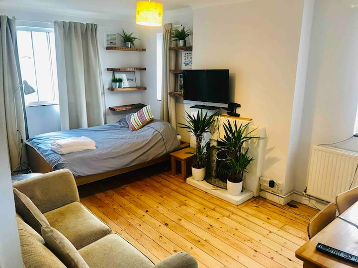 Experience cool East London - apartment for <6 ppl