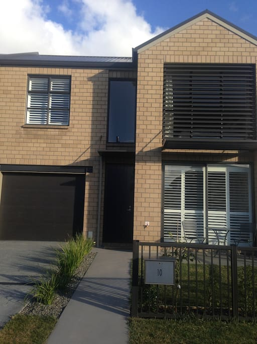 Brand New townhouse in quiet location