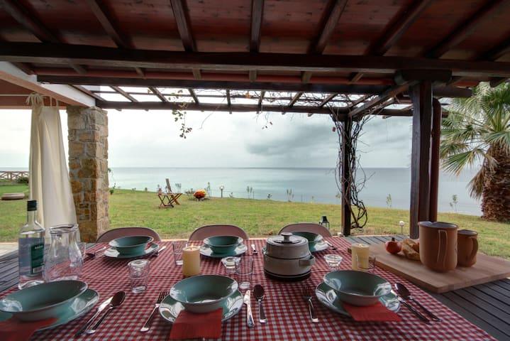 Beach House by the Aegean Sea - Posidi - Dom