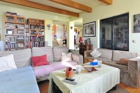 Dream loft in Rafina - Μπλε Λιμανακι - Bed & Breakfast