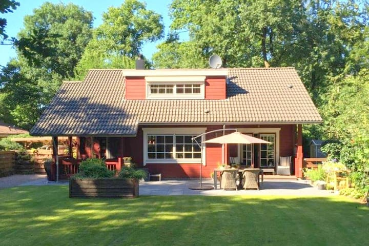 Lovely Bungalow in Bennekom with terrace