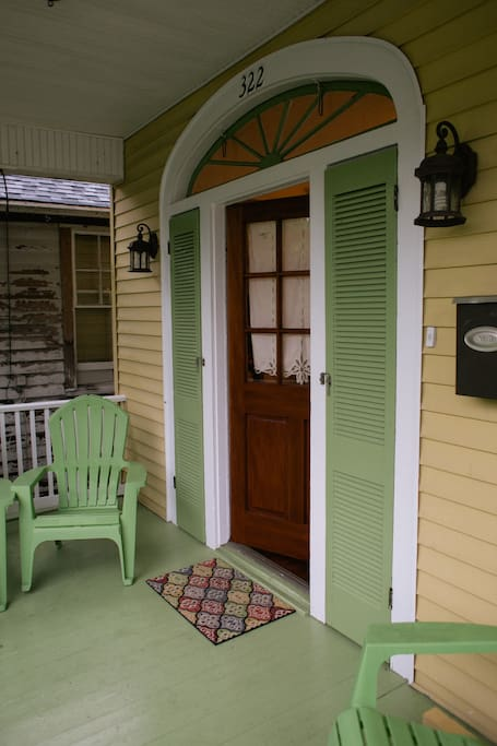All the comforts of home awaits you for your New Orleans vacation!!