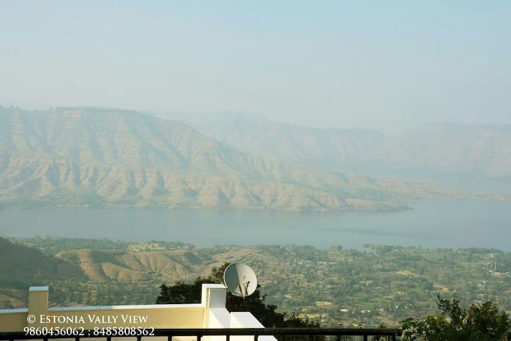 Estonia Valley View - Panchgani - Villa