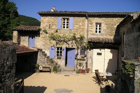 Bed & Breakfast La Ferme de Pauroux - Mornans - Bed & Breakfast