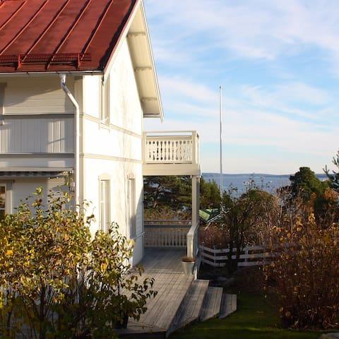 A lovely house in the archipelago - Dalarö - Huis